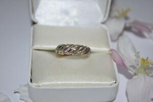 9ct Yellow Gold Baguette Cut Eternity Twist Ring 0.35pts Diamond