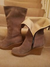 Gore-Tex Suede Sheepskin Boots Wedge Heel. Uk 7.5