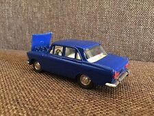 Soviet Russian HEALTH CARE car MOSKVICH MOSKVITCH 412 diecast model 1:43 USSR