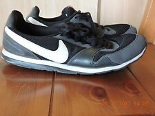 Nike 386199-011 Women's Black Textile Upper Flat Athletic Shoes Size 9.5