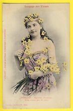 "cpa BERGERET Dos 1900 FEMME Langage des FLEURS ""NARCISSE"" Journal L'ECLAIR"
