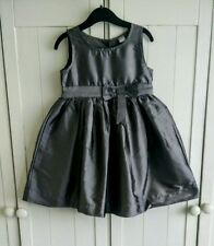 Girls Silver Grey Party / Wedding dress Size 3-4 Years