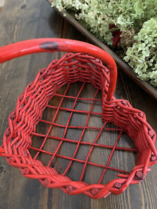 Beautiful Red Heart Shapped Wicker Basket In Excellent Condition Handle 11 X 9