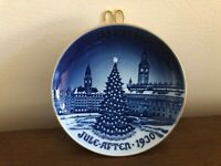 1992 X-mas Tree at the Town Square, Bing & Grondahl Centennial plate