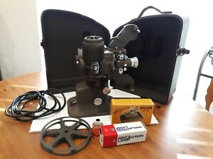"""BELL & HOWELL """"FILMO DIPLOMAT"""" 16MM FILM PROJECTOR #173 Mod. A W/ Case And MORE"""