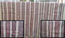Superbe tapis avec décoration géométrique  => 2.60 x 2,15 (11b)
