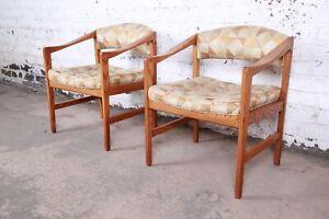 Edward Wormley for Dunbar Mid-Century Modern Sculpted Oak Armchairs, Pair