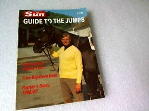 THE SUN GUIDE TO THE JUMPS 1986/87 Racehorse Booklet (paperback) VGC.