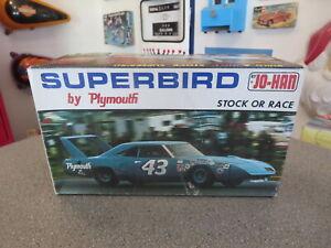 JOHAN PLYMOTH SUPERBIRD RICHARD PETTY #GC-1470  KIT 1/25 SCALE