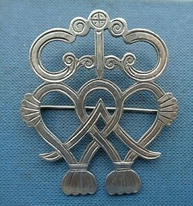 Very Large Victorian Silver Scottish Luckenbooth Sweetheart  Brooch c.1890