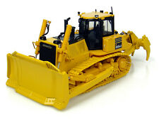 KOMATSU D 155 AX-7 DOZER W/RIPPER 1/50 DIECAST MODEL BY UNIVERSAL HOBBIES UH8010