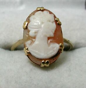 Vintage 9 carat Gold Carved Cameo Ring Size M