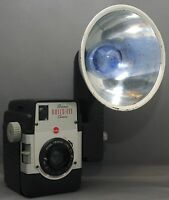 EASTMAN KODAK BROWNIE BULLS-EYE  Flash OUTFIT VINTAGE FILM CAMERA TWINDAR Lens