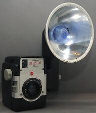 EASTMAN KODAK BROWNIE BULLS-EYE  Flash OUTFIT VINTAGE FILM CAMERA TWINDAR Lens