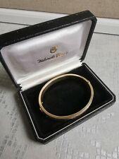 375 9ct Gold Bracelet Bangle floral engraved pattern
