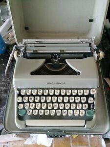 Olympia Colortip Koffer Reise Schreibmaschine - Vintage