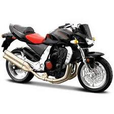 1 18th Kawasaki Z-1000. Maisto. Included