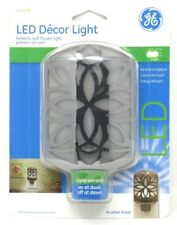 GE Décor LED Night Light Plu In Light Sensing With Auto On Off Soft White