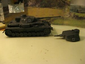 WW2 Tank German Pz IV with two turret choices CTS 1/32