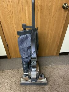KIRBY VACUUM CLEANER G4 JUST SERVICED