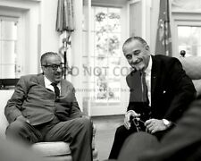 PRESIDENT LYNDON B. JOHNSON WITH JUSTICE THURGOOD MARSHALL - 8X10 PHOTO (BB-120)