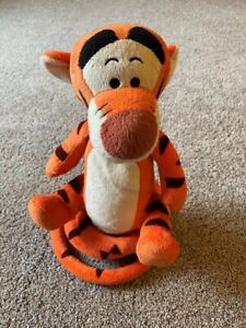 Turbo Tail Bounce-Bounce Singing Talking Tigger Plush Toy Just Play Disney FLAW