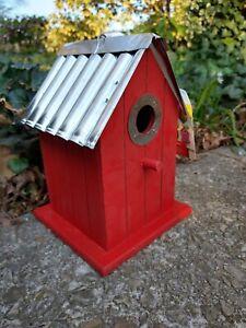 Wonderful Birdhouse Bird House Wren Chickadee Easy Clean NEW Red