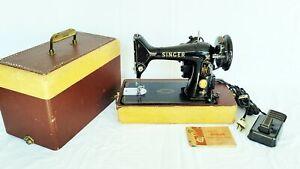 Vintage Singer 99K Sewing Machine / Case / Manual Runs Great Nice Condition