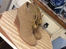 Tesori Lace Up Wedge Ankle Booties size 10 M Women's Tan Suede, EUC