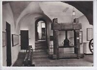 """Ansichtskarte Schleusingen - Museum Schloss Bertholdsburg - """"Papierpresse"""" s/w"""