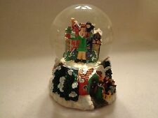 "COLLECTIBLE CHRISTMAS SNOWDOME THAT PLAYS ""HARK THE HEARLD ANGELS SING""- NEW"