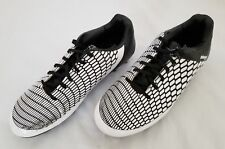 Mens Size 10 Black White Brava Soccer Shoes pre-owned