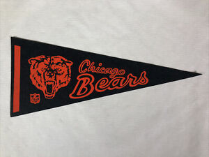 """Vintage NFL 1970's Chicago Bears Mini PENNANT 5"""" x 12"""" Inches"""