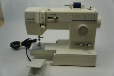 Singer 9005 Sewing Machine With Foot Pedal *TESTED*