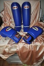 SANDEE AND TWINS SPECIAL SHIN GUARDS PADS M and 16 OZ GLOVES