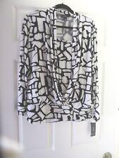 ALFANI Top L Black/ White NWT  Geometric, Ruched Bottom/W/Zipper,AttachedTankNWT