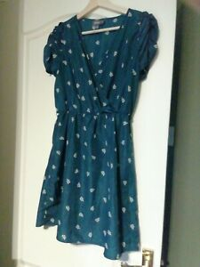 Dress 8/10 Silky Teal Blue Ruffle Short sleeve Fit/flare party retro wrap V neck