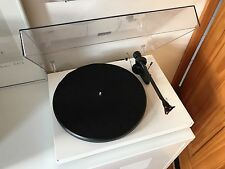 Pro Ject Debut Carbon Turntable White With Ortofon 2M Red Vinyl No Reserve