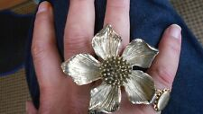 DECROTIVE ANTIQUE GOLD PEONY RING, FLOATING BEAUTY, SUMMER SIZE O