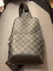 Louis Vuittons Avenue Sling bag