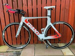 Giant Trinity Time Trial Bike 2016 model (medium) DELIVERY NOW AN OPTION
