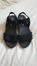 LADIES SKETCHERS SANDALS, SIZE 6
