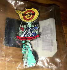 Hard Rock Cafe 2002  NEW YORK 18th Anniversary Statue Of Liberty Torch Pin