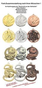 100 Stk. Relief Fussball Medaillen nach Wahl mit Band & Text ab 72,95 EUR