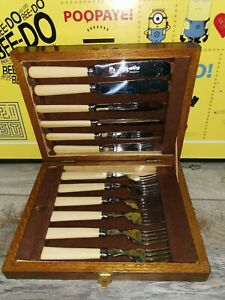 Vintage shiefield DEBESCO CUTLERY Stainless Fish Cutlery England