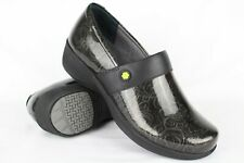 New Work Wonders by Dansko Womens Camellia 39/9-9.5 Grey Tooled Patent