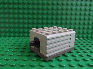 Lego Light Grey Electric  Motor 9V 5 x 4 x 2 1/3 Technic Mindstorm 2838c01