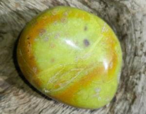 Grüner Opal,Handschmeichler,Trommelstein,54 mm, Nr. 5, Madagaskar