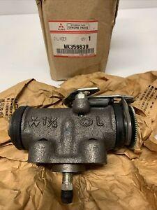 Mitsubishi Rosa Fuso Canter Brake Cylinder Assembly RR Brake MK356639 NOS