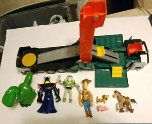 Toy Story Garbage Truck opening fold up playset 6 Figures woody rex flashlight